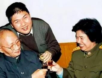 毛新宇公布自己和妻子的工资  好多人不敢信!